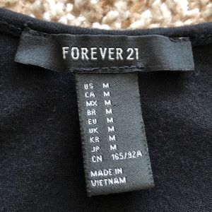 Forever 21 Tops - top by Forever 21💜